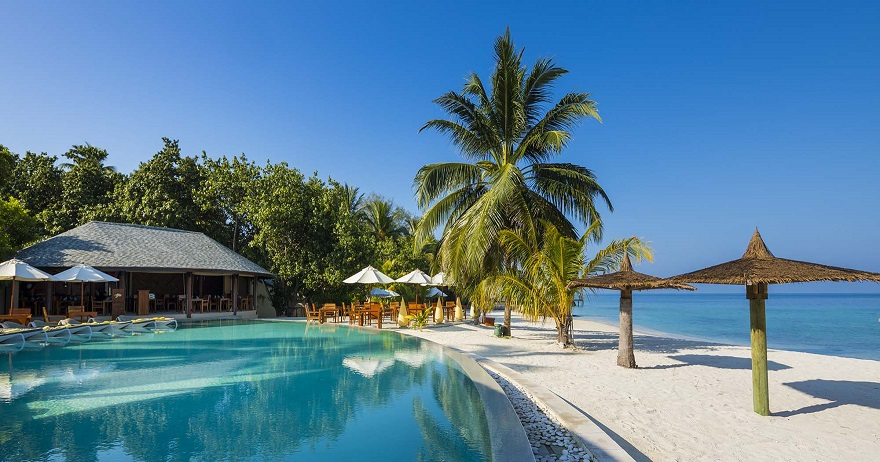 escape-to-water-paradise-senior-citizen-holiday-in-maldives-1557649990.jpg