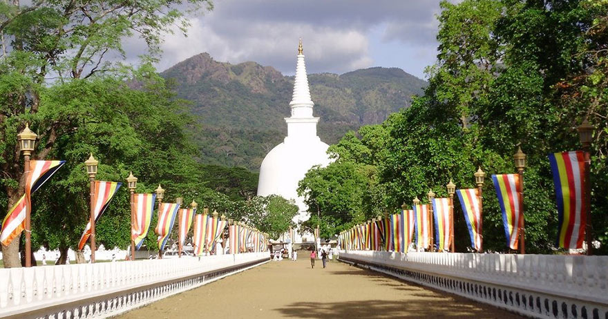 Buddhist Tour – Journey into 16 sacred places of worship (Solosmasthana) in Sri Lanka-1.Feel an immense sense of tranquility and peace at