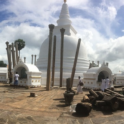 Buddhist Tour – Journey into 16 sacred places of worship (Solosmasthana) in Sri Lanka-12. Witness unique architectural features at