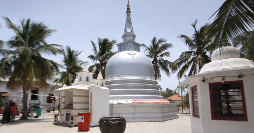 Buddhist Tour – Journey into 16 sacred places of worship (Solosmasthana) in Sri Lanka-2.Visit the stupa in the sandy Island of