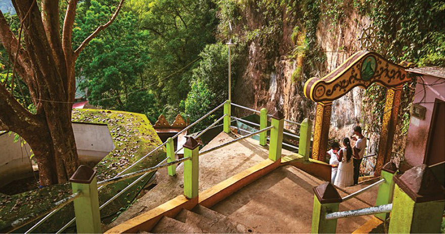 Buddhist Tour – Journey into 16 sacred places of worship (Solosmasthana) in Sri Lanka-5.Visit the heavenly cave